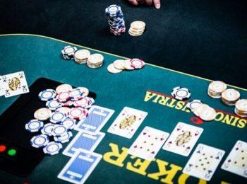 Những ưu điểm khi đánh bài poker online khiến bạn muốn chơi ngay!