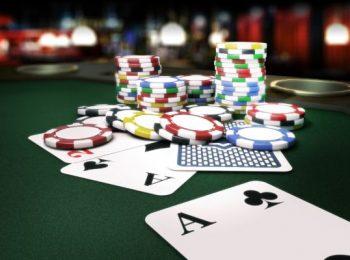 Phỉnh Poker Là Gì – Tại sao Dùng Phỉnh Để Chơi Poker?